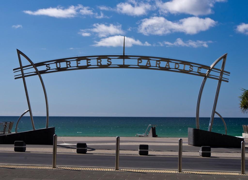 La fameuse arche de Surfers Paradise